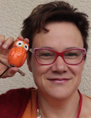 Ausgebildete Grundschullehrerin und diplomierte LRS- und Dyskalkulie Trainerin hilft ganzheitlich Kindern mit Legasthenie und Rechenschwäche